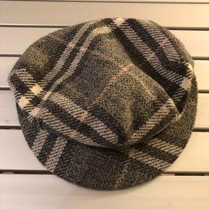 Burberry newsboy hat